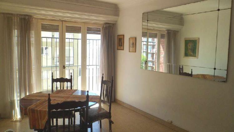 Departamento de 2 ambientes con balcon saliente