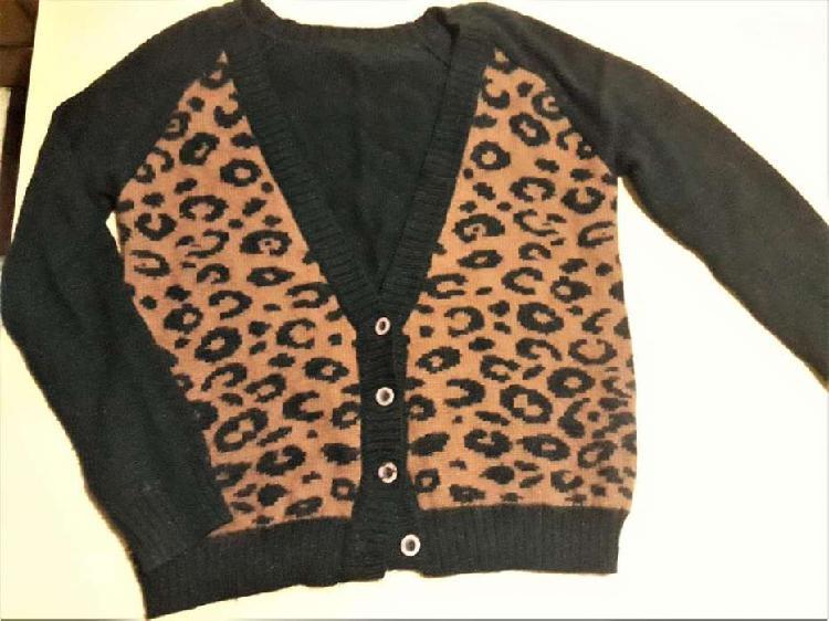 Saco tejido negro y animal print Talle L