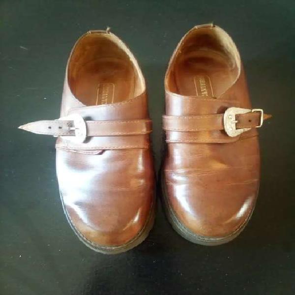 Zapatos de hombre de vestir Nro 41 impecables!