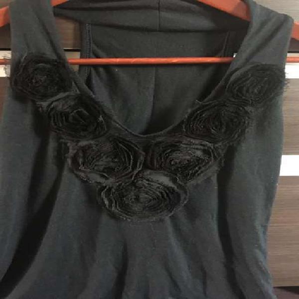 Blusa Musculosa de Vestir negra con Apliques