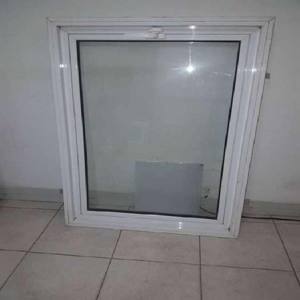 Ventana Aluminio 70x105cm aluminio Blanco R640 DVH