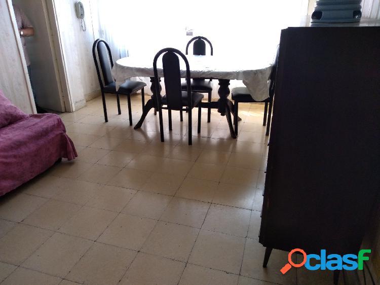 Alquiler Estudiantes - 2 ambientes a la calle - Santiago del