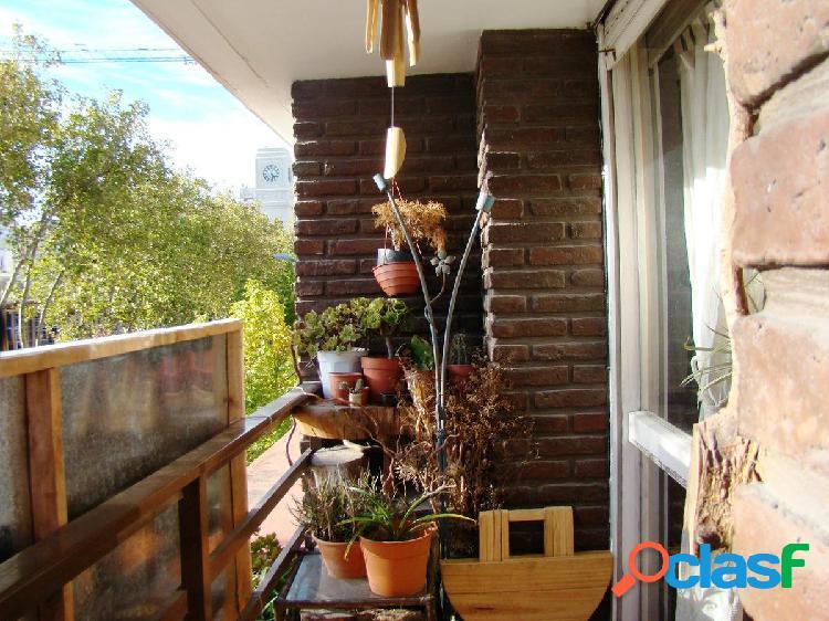 VENTA| 3AMB | Balcón a la calle | Terraza | Paseo Aldrey