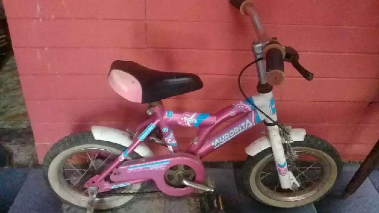 Vendo bicicleta de nena rodado 16 en buen estado