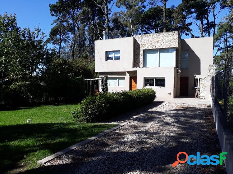 Venta Chalet Moderno de 5 ambientes en Bosque Peralta Ramos