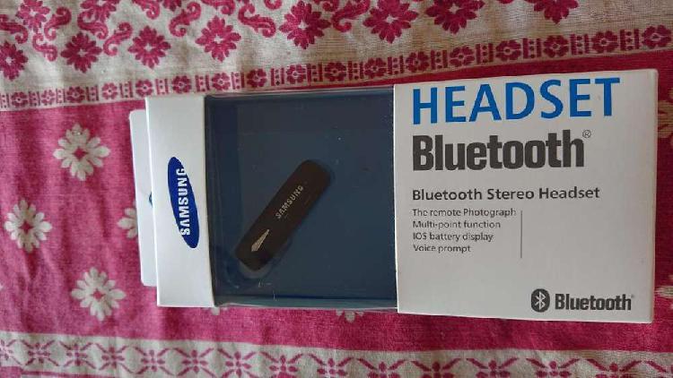 Auriculares Samsung una sola oreja con Bluetooth