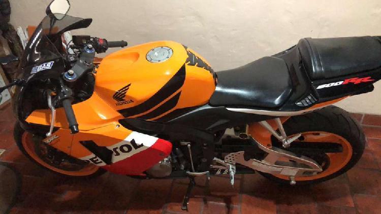 Moto Honda CBR 600rr 2005 con 40.000km - Juan Mendizabal