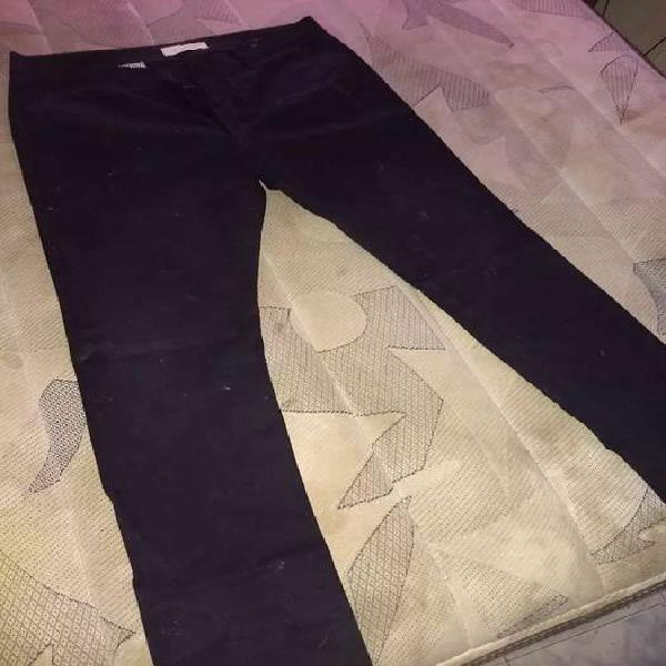 Pantalón de vestir chupín talle 46 una sola postura