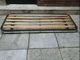 cama una plaza con ruedas y otra cama debajo