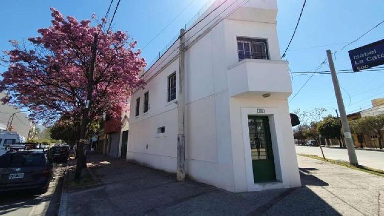 Sucre 2100 - U$D 280.000 - Casa en Venta