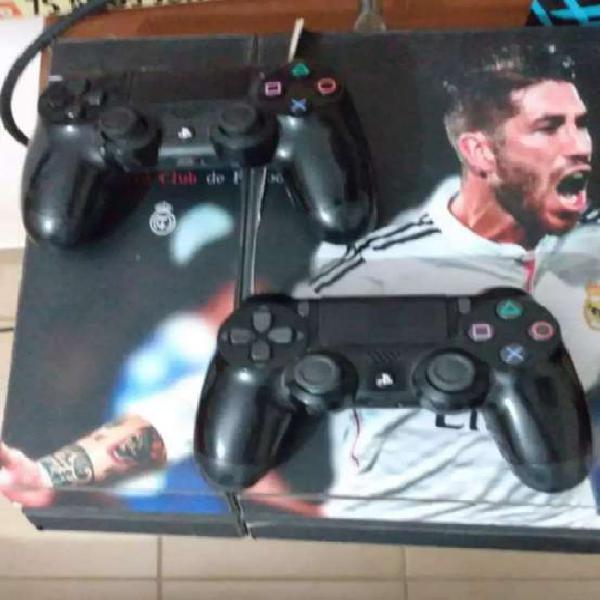 Vendo PS4 exelente estado