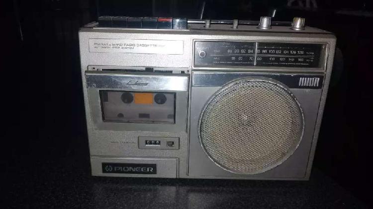 Vendo Radio AM/FM, marca Pionner en buen estado, no funciona