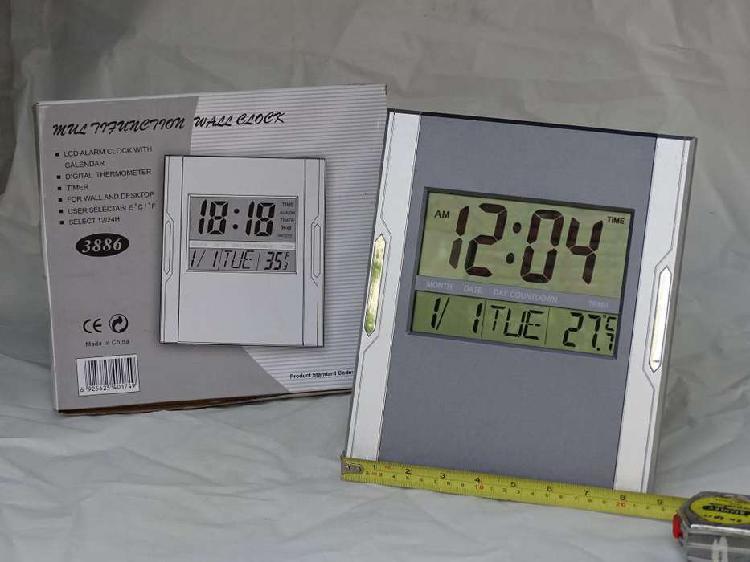 Reloj Digital de Pared con fecha y temperatura
