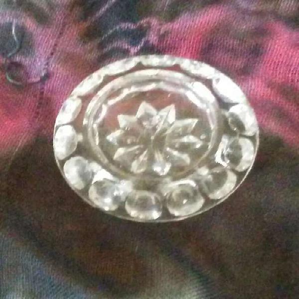 Salero antiguo.semi cristal.tallado a mano.sin uso.