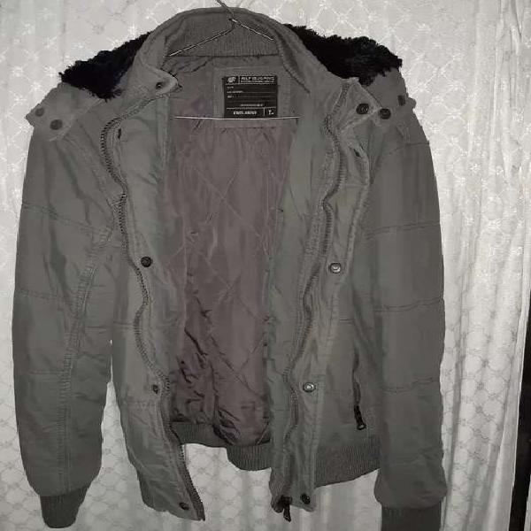 Vendo campera color gris oscuro