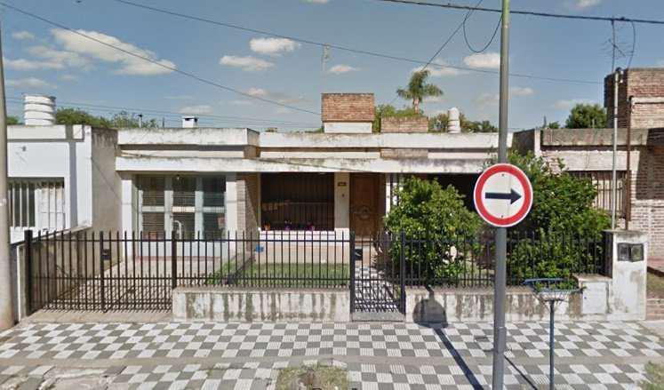 Vendo Amplia Casa con departamento - Barrio Pueyrredón