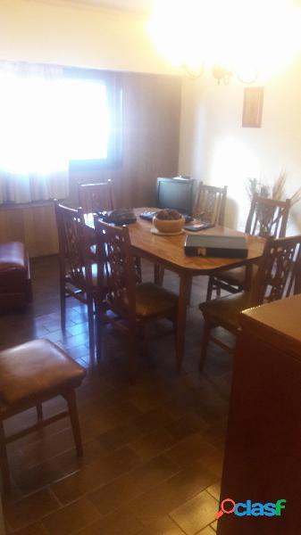 Departamento de 3 ambientes La perla Yrigoyen al 1000