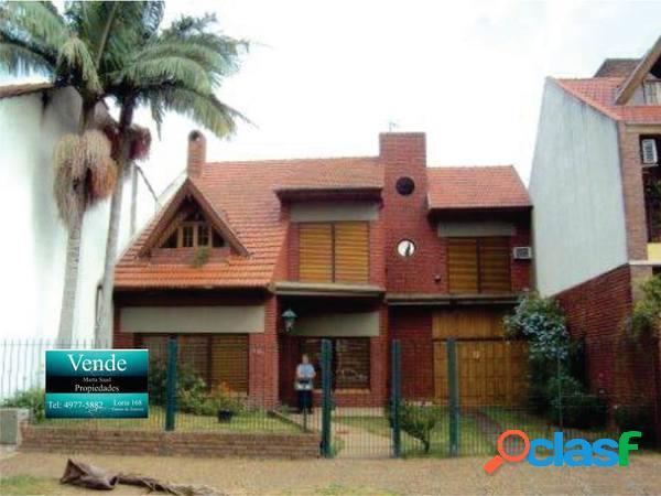 Hermosa casa en barrio residencial de 6 ambientes sobre lote