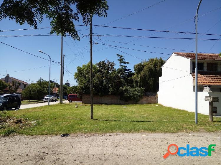 Lote en Giacobini esq W. Morris, Punta Mogotes
