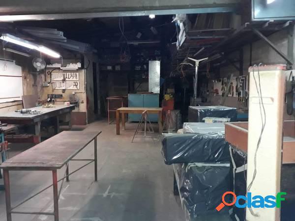 PH en venta de 4 ambientes en planta baja al frente (a