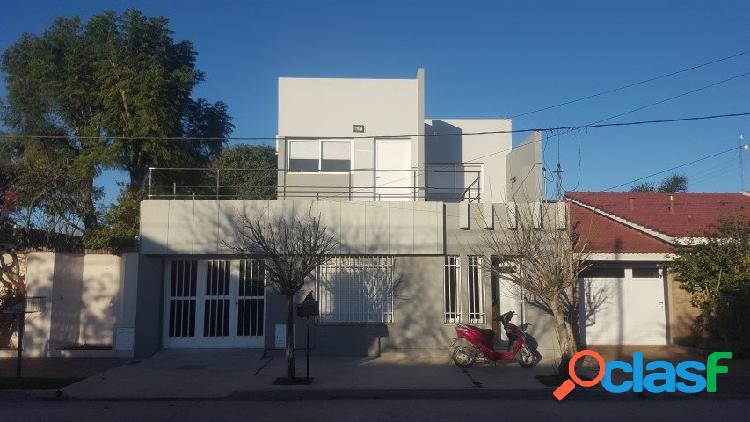 Vendo Casa 3 dormitorios con pileta Bº Roca