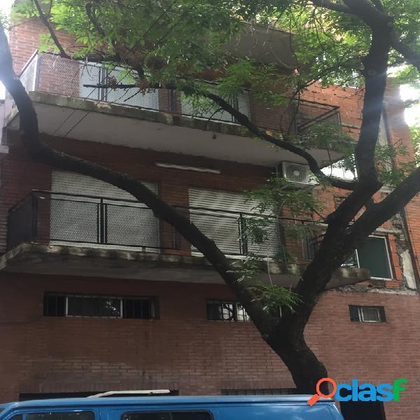 Venta Edificio en Block Humberto Primo al 1500