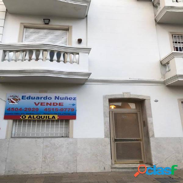 Venta PH en PB AL FRENTE. A mts de Cuenca. Zona comercial.