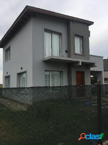 casa en venta barrio Santa Celina