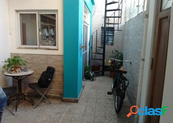 ph de 3 ambientes en planta baja con terraza