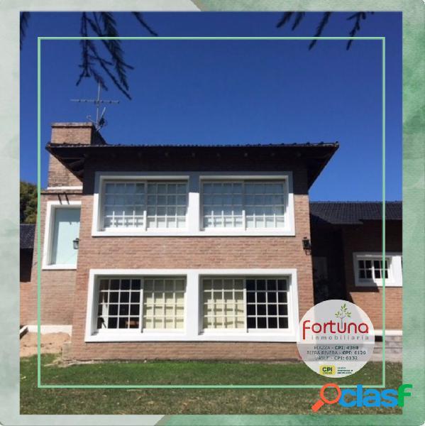 Espectacular vivienda en Villa General Belgrano
