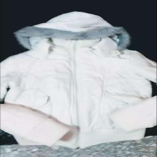 Campera de mujer talle 1 abrigada con capucha