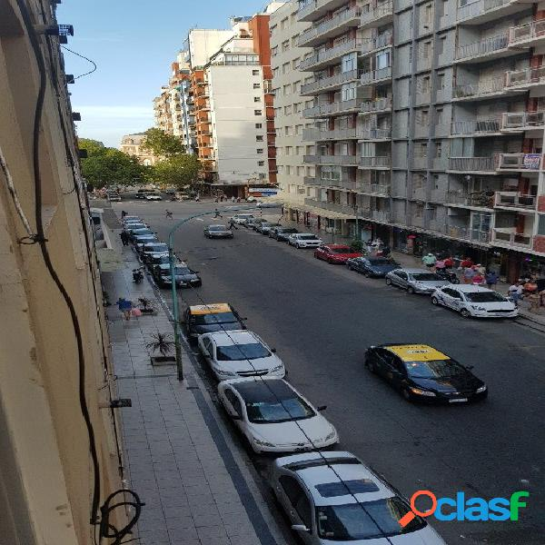 24 Meses, 2 amb c/dep a la calle con balcón saliente y