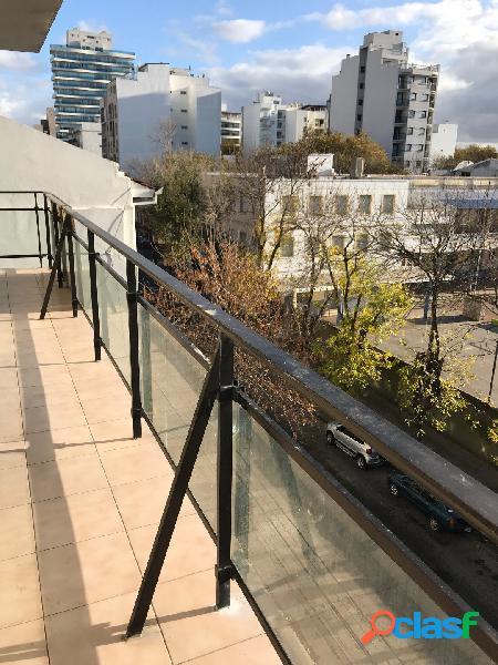 Departamento 3 ambientes con balcon corrido al frente