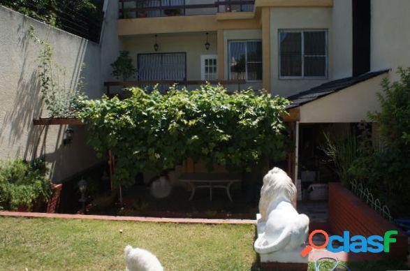 Espectacular Casa en Venta, en Barrio Santa Rita, Villa del