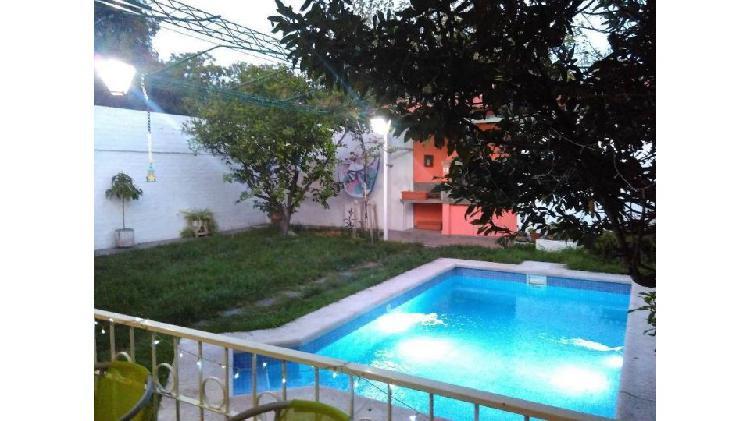 VENTA Casa 6º Sección, 3 dormitorios, patio, piscina.