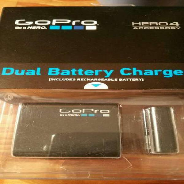 Vendo Bateria Y Cargador Doble Original.