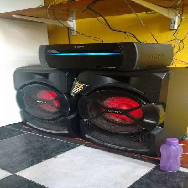 Vendo equipo de música Sony home audio system shake-x3d