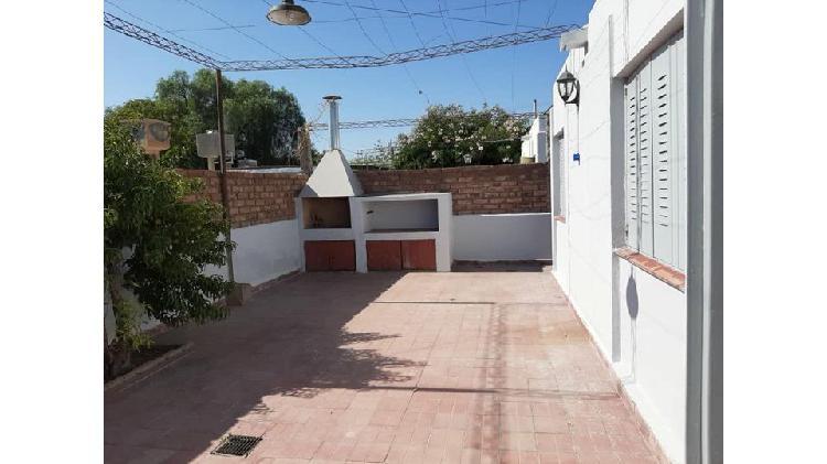 Vendo hermosa casa B° Municipal - Las Heras