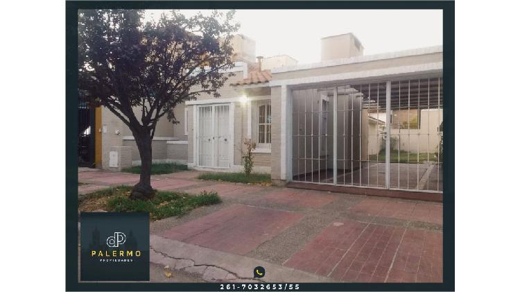 Venta de hermosa casa en inmejorable ubicación de Villa