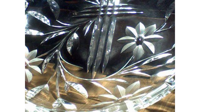 Plato de Cristal Tallado. Antiguo, año 1950.
