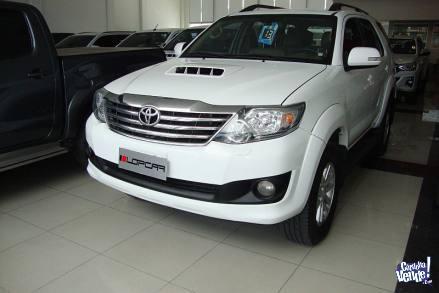 Toyota Hilux SW4 SRV 3.0 tdi 4x4 cuero 7as at 2013