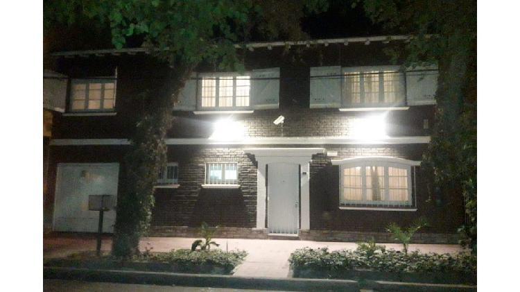 Alquiler Casa 3 dormitorios / Calle Rodriguez / Ciudad