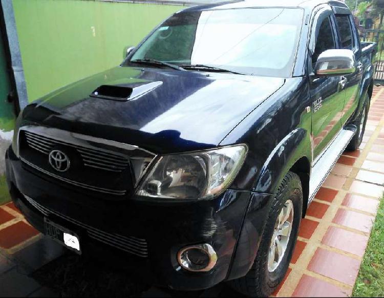 Toyota Hilux 3.0 TDI Srv T.Cuero-Cab Doble 4x2 (2009)
