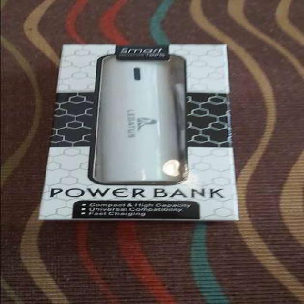 Cargador Power Bank 2600ah de bolsillo o para la cartera