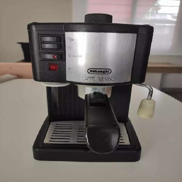 Cafetera express Delonghi vaporera