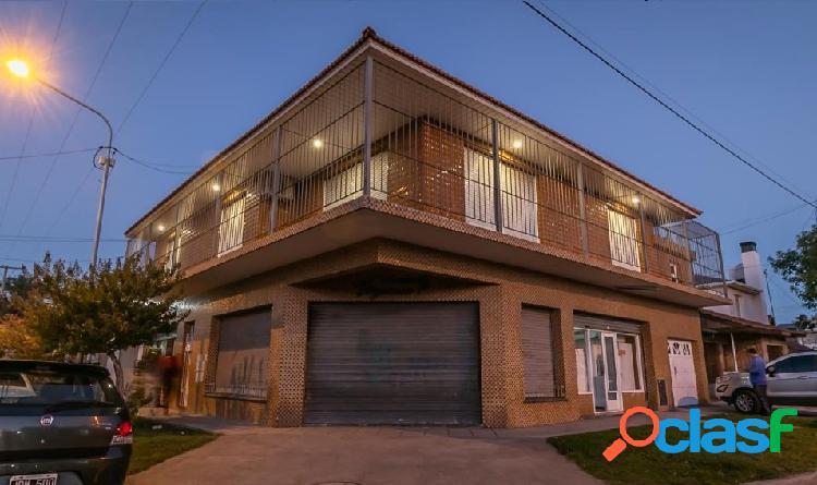 Chalet 4 ambientes en Planta Alta con garage