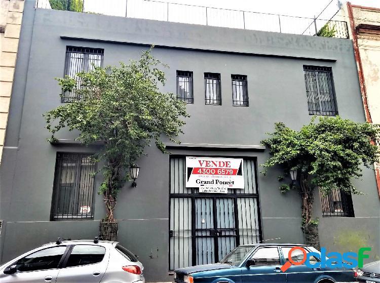 Excepcional Casa 7 Ambientes con Patio y Terraza