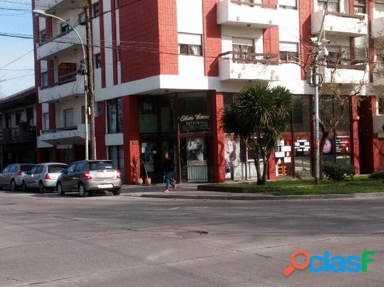 Local Comercial Sobre Avenida Libertad