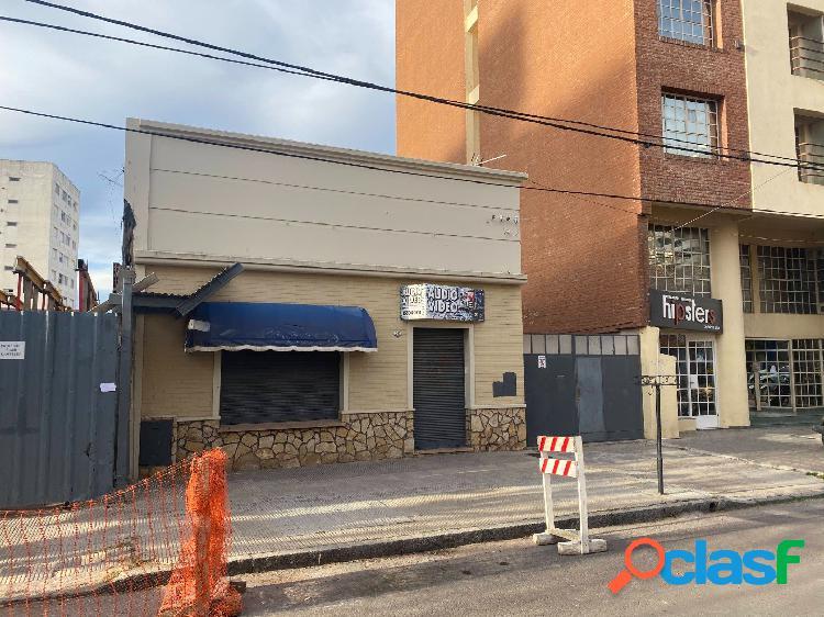 OPORTUNIDAD lote apto edifcio en Alvarado entre Paraguay y