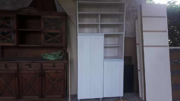 moderno mueble de guardado 6000$ ESTAMOS EN ZONA CENTRO...